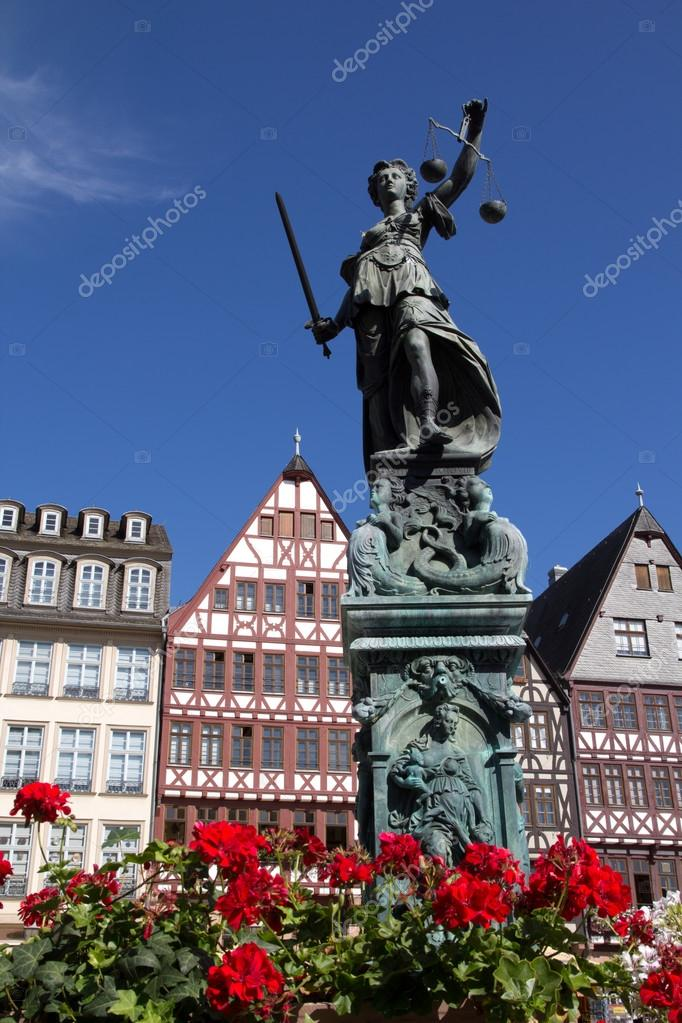 The Statue of Lady Justice in Romer Square.  — Stock Photo #13151680