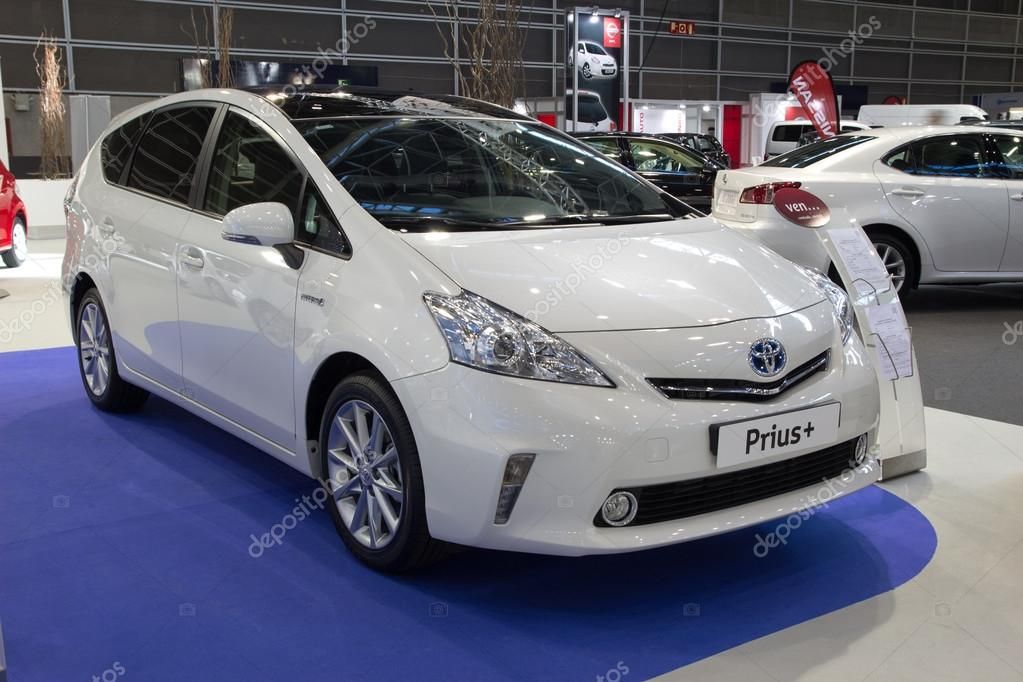 toyota prius dreaming big with hybrid cars essay