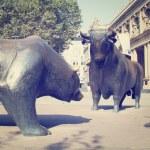 Bulls and Bears — Stock Photo #39884893