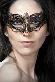 сексуальная женщина с арабский маска — Стоковое фото