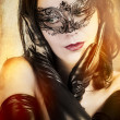 Widow sensual womwith artistic style Venetimask — Stock Photo #18929227