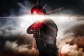 Soldat visant l'assaut fusil laser sight — Photo