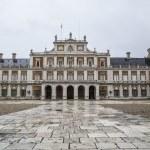 Main facade. Palace of Aranjuez — Stock Photo #41049573
