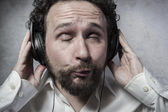 Man listening and enjoying music — Stock Photo