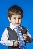 Schattige kleine jongen portret — Stockfoto