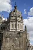 Toledo Cathedral facade — Stock Photo