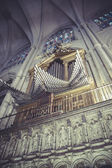 Organ inside the cathedral of toledo — Stock Photo
