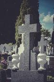 Cruz en un cementerio — Foto de Stock