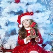 Cute girl and Christmas Tree — Stockfoto #16980911
