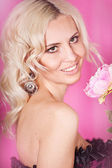 Portrait of a gorgeous blond — Stock Photo
