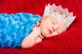 Yeni doğan bebek kız uyku — Stok fotoğraf