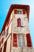 Typical Basque house in Bayonne, France — Foto Stock