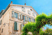 Typical Basque house in Bayonne, France — Stock Photo