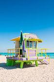 Colorful Lifeguard Tower in South Beach, Miami Beach, Florida — Stock Photo