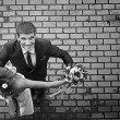 Dance of the bride and groom at the wedding — Stock Photo