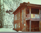 Wooden house in winter — ストック写真