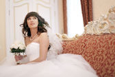 Bride at a wedding in a white dress — 图库照片