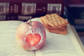 Apple with heart symbol — Foto Stock