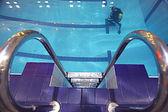Diver in pool — Foto de Stock