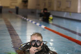 Diver in pool — Stock Photo