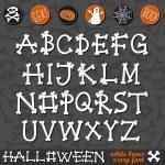 Cadılar Bayramı beyaz kemik korkunç yazı latin alfabesi ve halloween koyu arka plan Eğitim Seti düğmeleri ile ilgili — Stok Vektör