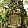An old buddhist temple at the Angkor Thom complex in Cambodia — Stock Photo