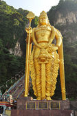 Lord Murugan statue at the hindu Batu caves on the outskirts of — Stock Photo