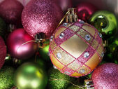 Pink And Green Christmas Ornaments — 图库照片