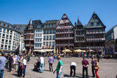 People on Roemerberg square in Frankfurt — Stock Photo