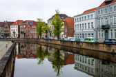 Houses along the canals of Bruges — Foto Stock