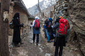 Tourists visit mountains in Iran — Stock fotografie