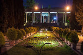 Garden of the tomb of poet Hafez in Shiraz — Stock Photo