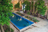 Courtyard of a traditional house in Yazd — Stock Photo
