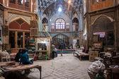 неизвестные люди в базар — Стоковое фото