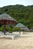 Beach at Cat Ba island — Stock Photo