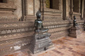 Statues at Haw Pha Kaew temple — Stock Photo