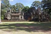 Ruins of ancient Angkor temples — Stock Photo