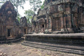 Ruins of ancient Angkor temple Banteay Srei — Stock Photo