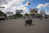 Street traffic in Pnom Penh — Stockfoto