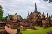 Wat Mahathat temple ruin in Sukhothai  — Stock Photo