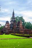 Wat Mahathat temple ruin — Stock Photo