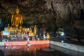 пещерный храм — Стоковое фото