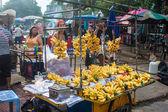 Caler avec des bananes — Photo