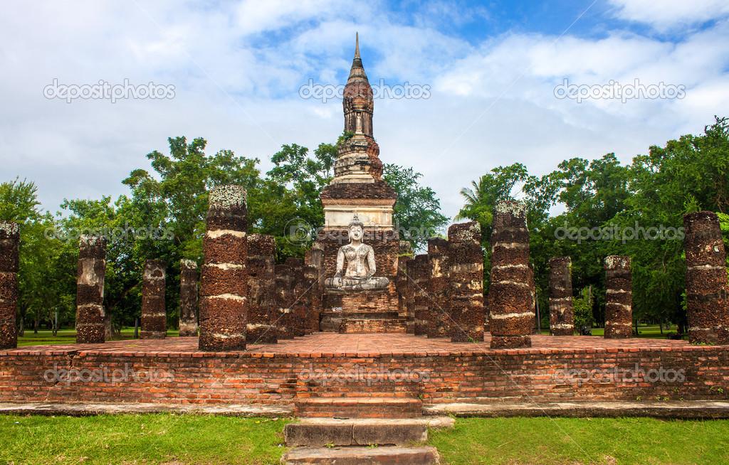 Wat Traphang Ngoen in Sukhothai — Stock Photo © mathes ...