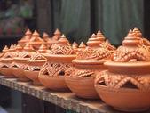 Alfarería de barro tradicional tailandesa en la isla de ko kret, tailandia — Foto de Stock
