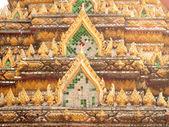 Krásný gable slavného chrámu — Stock fotografie