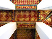 Thai art decorative ceiling at the temple of Thailand — Stock Photo