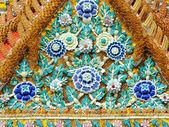Gable hermosa del famoso templo — Foto de Stock