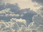 青い空と美しい雲 — ストック写真