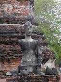 AYUTTHAYA, THAILAND APRIL 14 : Buddha at Wat Chai Watthnaram on april 14 2012 in Ayutthaya ,Thailand.Wat Chai Watthnaram the historic temple — Stock Photo